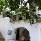 naxos-apeiranthos-village-03