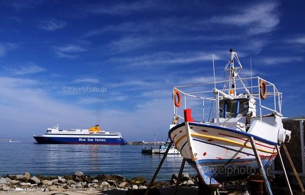 Ναξος-λιμάνι-ψαρόβαρκα