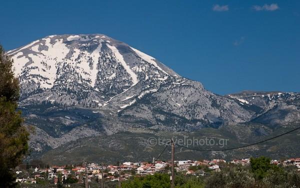 Dirfi mountain on our way to Steni village