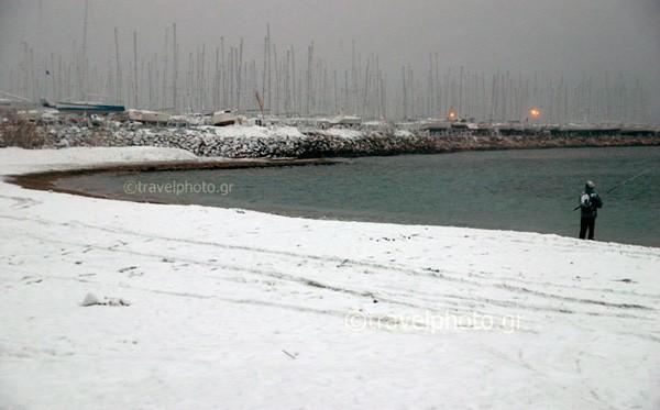 Χιονι στην παραλία Φαλήρου, Αθήνα
