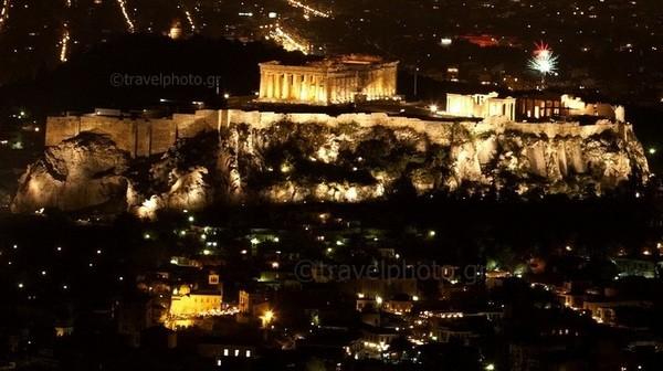 Acropoli-fireworks-Lycabetus-Athens