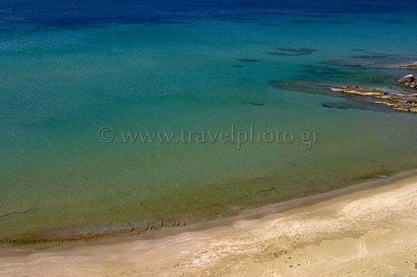Παραλία στα Κίονια Τήνου