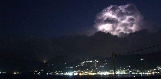 καλοκαιρινή καταιγίδα νότια Εύβοια