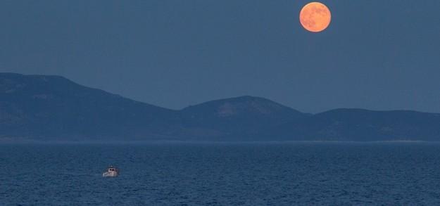 August full moon photos