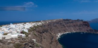 Θέα από το νησάκι της Θηρασιάς