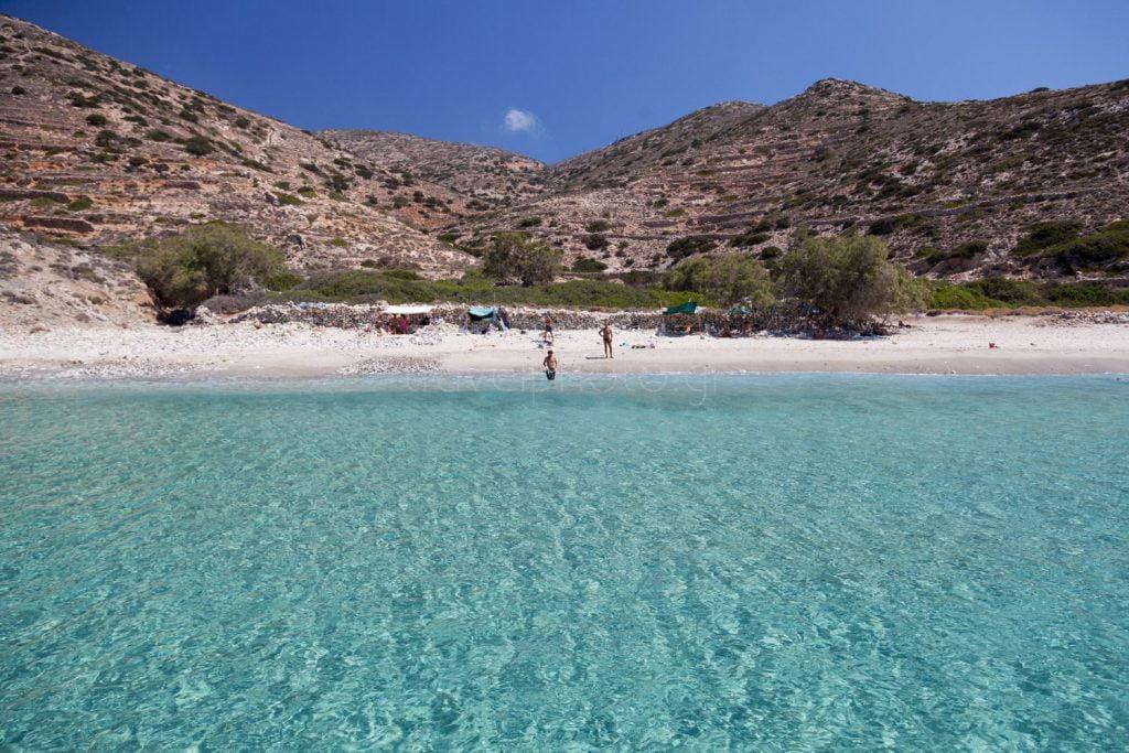 Παραλία Λιβάδι. Δονούσα, Μικρές Κυκλάδες
