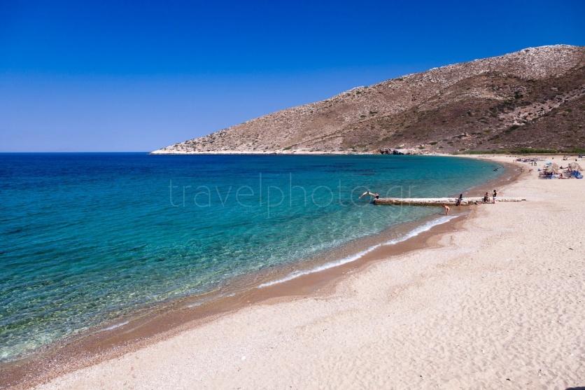 παραλία Αγία Θεοδότη στην Ίο.