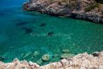 Η θάλασσα στη παραλία στα Μεσοχώρια, Νότια Εύβοια-Αιγαίο